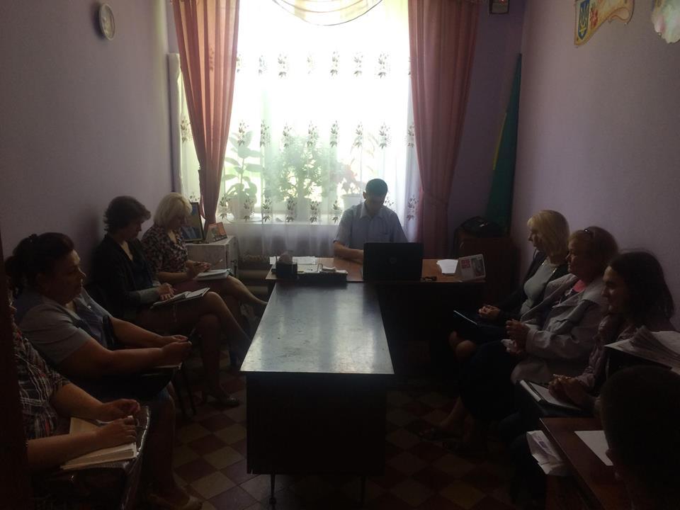 3 1 - Жителі села Озеряни отримали консультації під час виїзного прийому