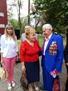 P80509 083205 225x300 - На Дніпропетровщині вшанували ветеранів