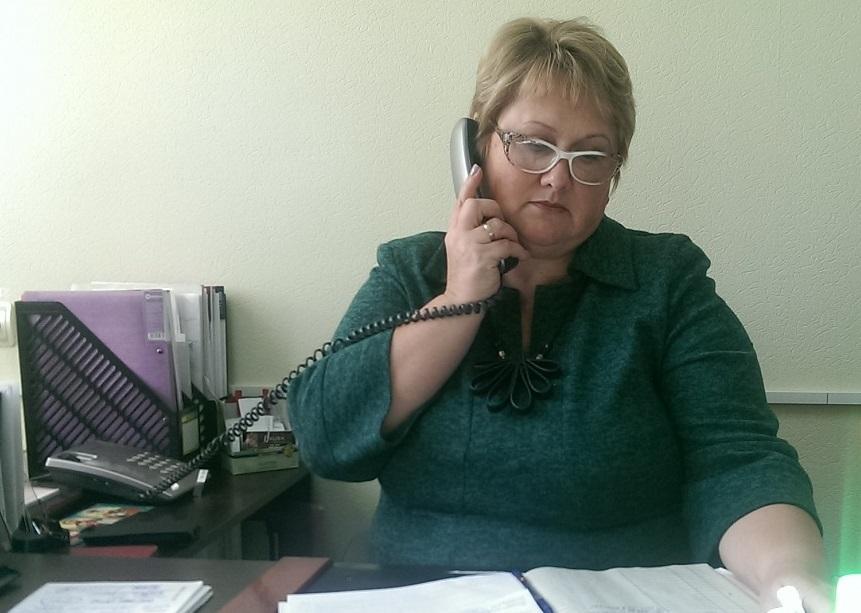 Nykytyna gor lynyya - Керівництво Фонду області в телефонному режимі спілкувалося з мешканцями Луганщини