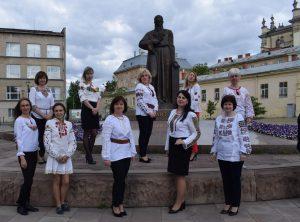 Lviv2 300x222 - Всесвітній День вишиванки відзначили в Головному управлінні Пенсійного фонду Львівщини