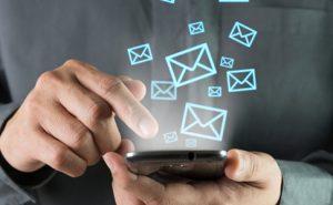sms 300x185 - Пенсійний фонд запроваджує смс-інформування не тільки пенсіонерів, а й застрахованих осіб