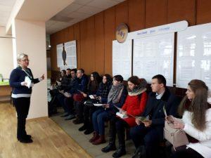 IMG 9915bd2398469878872c0248b60750ff V 300x225 - Познайомитись із сучасними онлайн - сервісами Пенсійного фонду України запросили молодь до сервісних центрів головного управління