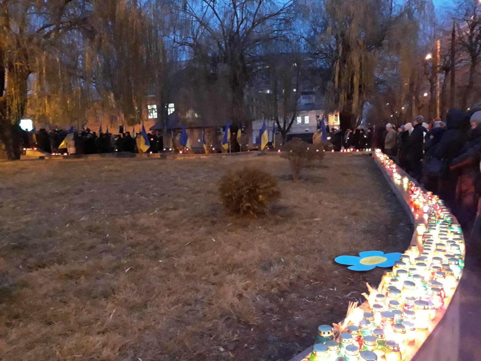 5 - На Хмельниччини вшанували пам'ять жертв Голодомору